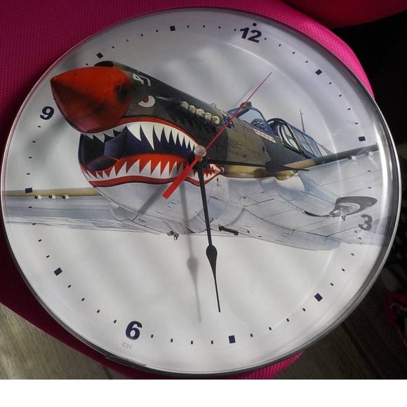 Round Clock Vintage Aircraft shark mouth Print c31